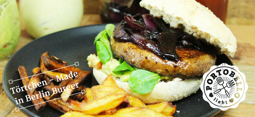 Rotweinzwiebel-Burger mit Süßkartoffelpommes